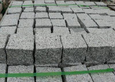 Pflaster Pflastersteine Kleinpflaster Gartensteine Granit grau gesägt Natursteine Eckert Frankenhardt Gartengestalltung Schwäbisch Hall Crailsheim Gaildorf Ellwangen
