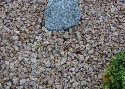 Steinbeet Granitschotter rot 32/56 mm Eckert Natursteine