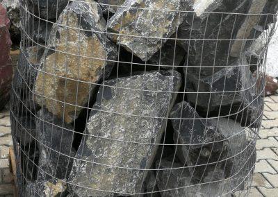 Findlinge Gestaltungssteine Marmor schwarz Natursteine Eckert Frankenhardt Gartengestalltung Schwäbisch Hall Crailsheim Gaildorf Ellwangen