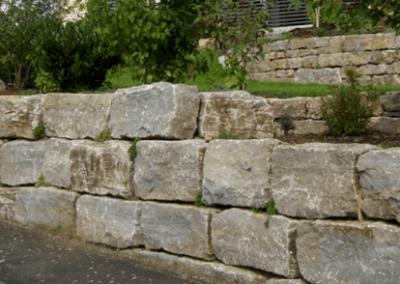 Trockenmauersteine Gartenmauer Böschungssteine Quader Muschelkalk Natursteine Eckert Frankenhardt Gartengestalltung Schwäbisch Hall Crailsheim Gaildorf Ellwangen