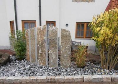 Sichtschutz Palisade Stelen Stele Tafel Krustenplatte Muschelkalk Natursteine Eckert Frankenhardt Gartengestalltung Schwäbisch Hall Crailsheim Gaildorf Ellwangen