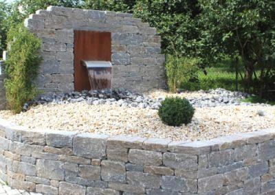 Natursteine-Frankenhardt-Rebmauerwerk