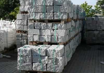 Trockenmauersteine Gartenmauer Quadersteine Blöcke Granit Natursteine Eckert Frankenhardt Gartengestalltung Schwäbisch Hall Crailsheim Gaildorf Ellwangen