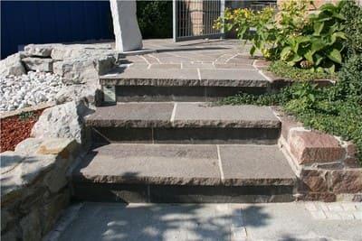 Bodenbeläge Stufenplatten Setzstufen Gartenplatten Treppen Porphyr Natursteine Eckert Frankenhardt Gartengestalltung Schwäbisch Hall Crailsheim Gaildorf Ellwangen