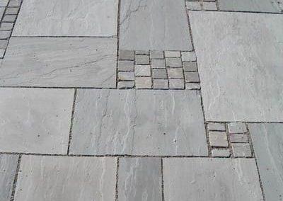 Bodenbeläge Terrassenplatten Bodenplatten Gartenplatten Pflaster Sandstein grau Natursteine Eckert Frankenhardt Gartengestalltung Schwäbisch Hall Crailsheim Gaildorf Ellwangen