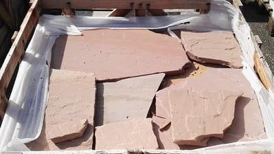 Bodenbeläge Polygonalplatten Terrassenplatten Bodenplatten Gartenplatten Sandstein rötlich Natursteine Eckert Frankenhardt Gartengestalltung Schwäbisch Hall Crailsheim Gaildorf Ellwangen
