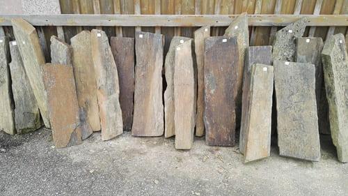Sichtschutz Garten Schiefer Monolith Stelen Stele Palisaden Natursteine Eckert Frankenhardt Gartengestalltung Schwäbisch Hall Crailsheim Gaildorf Ellwangen