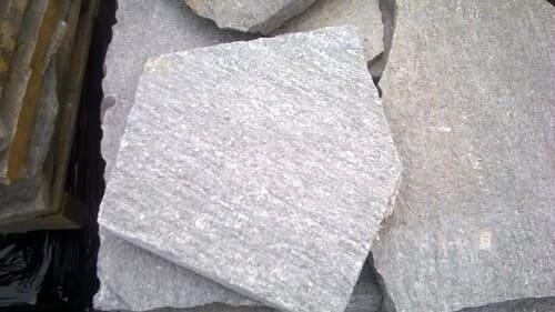 Bodenbeläge Polygonalplatten Terrassenplatten Bodenplatten Gartenplatten Gneis Luserna Natursteine Eckert Frankenhardt Gartengestalltung Schwäbisch Hall Crailsheim Gaildorf Ellwangen